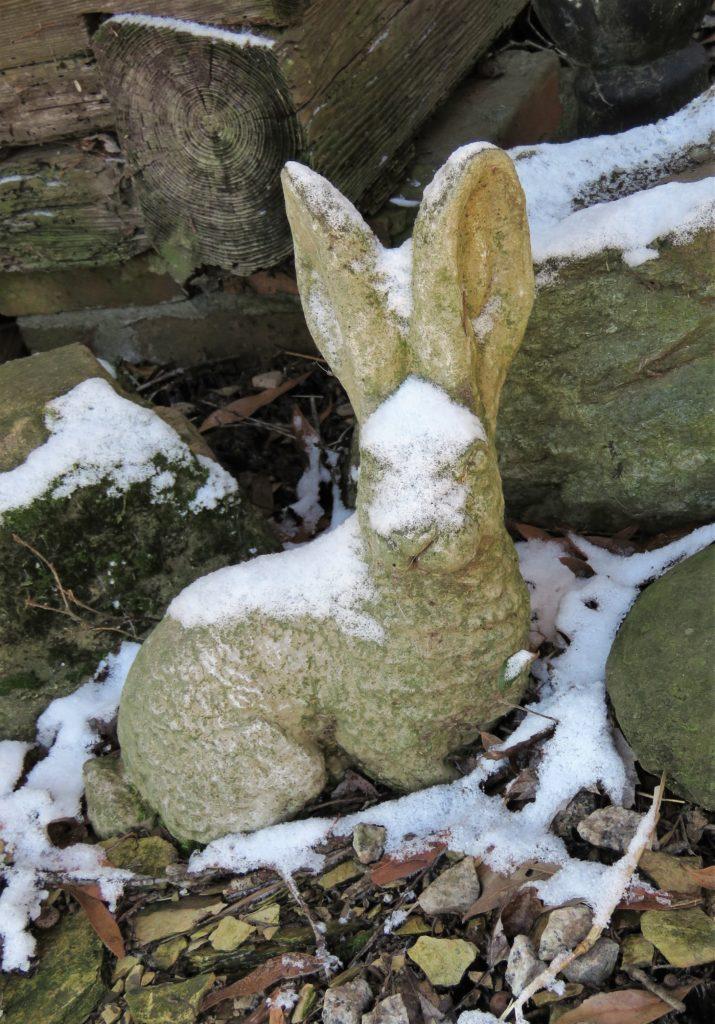 rabbitstatue